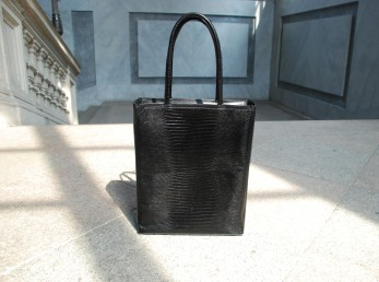 black tote front1